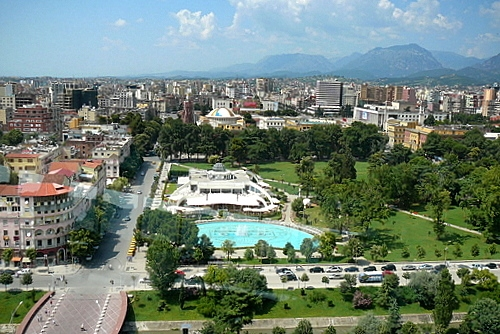 Автобуси до Албания